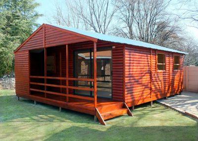 Wendys & Sheds -Log Cabin Exterior14