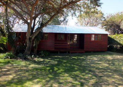 Wendys & Sheds -Log Cabin Exterior18