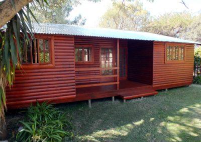 Wendys & Sheds -Log Cabin Exterior19