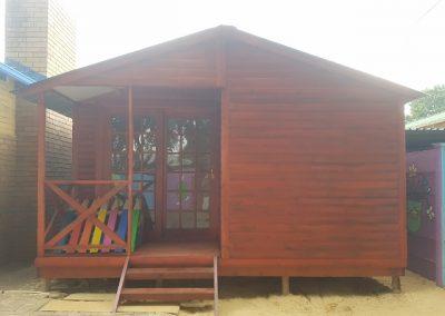 Wendys & Sheds -Log Cabin Exterior30