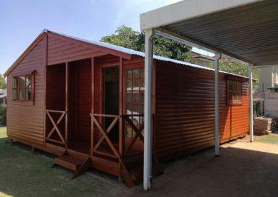 Wendys & Sheds -Log Cabin Exterior45