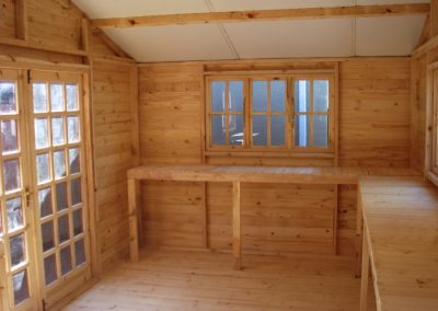 Wendys & Sheds -log cabin - interior33