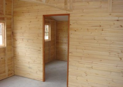 Wendys & Sheds -log cabin - interior40
