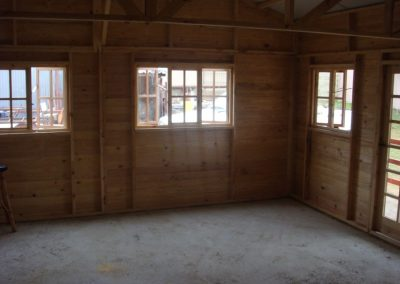 Wendys & Sheds -log cabin - interior45