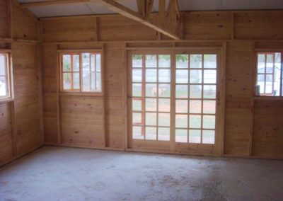 Wendys & Sheds -log cabin - interior46