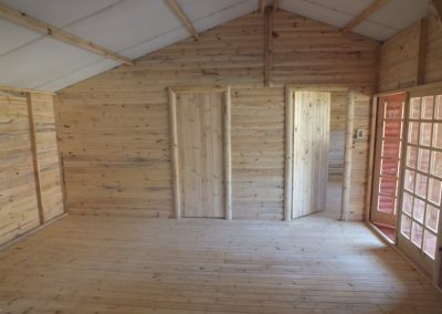 Wendys & Sheds -log cabin - interior49