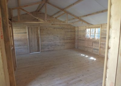 Wendys & Sheds -log cabin - interior50
