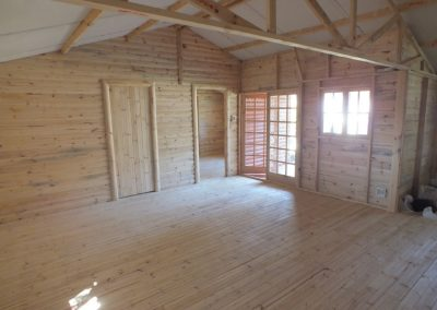 Wendys & Sheds -log cabin - interior51