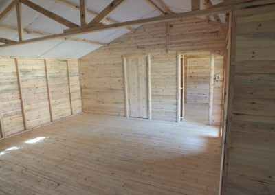 Wendys & Sheds -log cabin - interior52