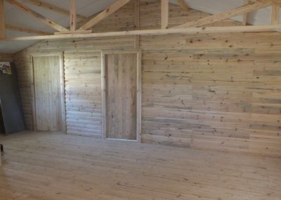 Wendys & Sheds -log cabin - interior53