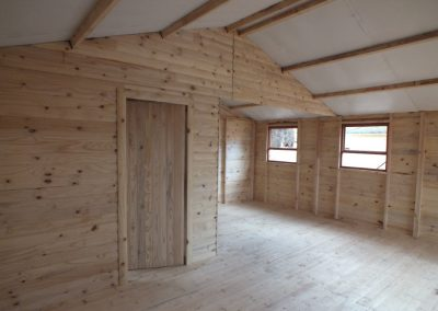 Wendys & Sheds -log cabin - interior55