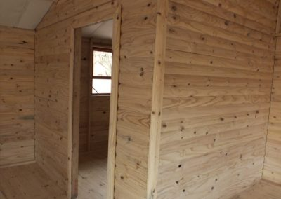 Wendys & Sheds -log cabin - interior56